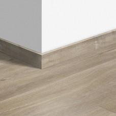 Виниловый плинтус Quick-Step Дуб каньон светло-коричневый пилёный QSVSKRA40031 (BACP40031 / BAGP40031)