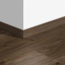 Виниловый плинтус Quick-Step Дуб коттедж темно-коричневый QSVSKRA40027 (BACP40027 / BAGP40027)
