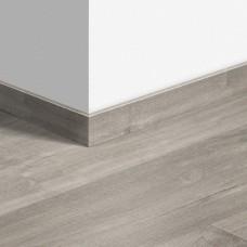 Виниловый плинтус Quick-Step Дуб каньон серый пилёный (Canyon oak grey with saw cuts) QSVSKRA40030 (BAGP40030 / BACL40030 / RBACL40030)