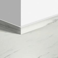 Виниловый плинтус Quick-Step Мрамор каррарский белый (Marble Carrara White) QSVSKRA40136 (AMCL40136 / AMGP40136 / RAMCL40136)