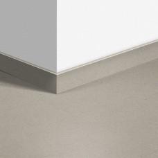 Виниловый плинтус Quick-Step Минеральная крошка песочная (Vibrant Sand) QSVSKRA40137 (AMCL40137 / AMGP40137)