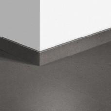 Виниловый плинтус Quick-Step Минеральная крошка серая (Vibrant Medium Grey) QSVSKRA40138 (AMCL40138 / AMGP40138)