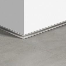 Виниловый плинтус Quick-Step скоция Бетон тёплый серый (Warm gray concrete) QSVSCOT40050 (AMCL40050 AMGP40050) 17 x 17 мм