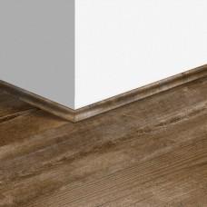 Виниловый плинтус Quick-Step скоция Коричневая сосна (Sundown pine) QSVSCOT40075 (PUGP40075 PUCL40075 AVMP40075) 17 x 17 мм