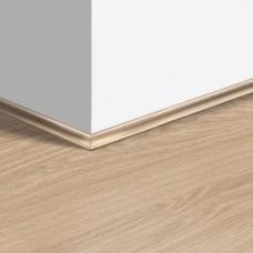 Виниловый плинтус Quick-Step скоция Дуб чистый натуральный (Pure oak blush) QSVSCOT40097 (PUGP40097 PUCL40097 AVMP40097) 17 x 17 мм