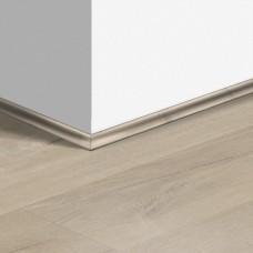 Виниловый плинтус Quick-Step скоция Дуб хлопковый бежевый (Cotton oak beige) QSVSCOT40103 (PUGP40103 PUCL40103 AVMP40103) 17 x 17 мм
