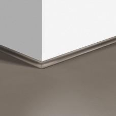 Виниловый плинтус Quick-Step скоция Шлифованный бетон темно-серый (Polished dark gray concrete) QSVSCOT40141 (AMCL40141 AMGP40141) 17 x 17 мм