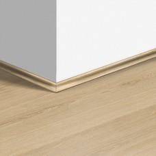 Виниловый плинтус Quick-Step скоция Эко беж (Eco beige) QSVSCOT40236 (AVMP40236) 17 x 17 мм
