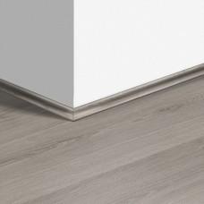 Виниловый плинтус Quick-Step скоция Эко серый (Eco gray) QSVSCOT40237 (AVMP40237) 17 x 17 мм
