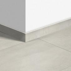 Виниловый плинтус Quick-Step стандартный Бетон светлый (Light concrete) QSVSK40049 (AMCL40049 AMGP40049) 58 x 12 мм
