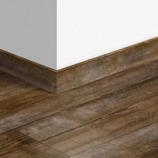 Виниловый плинтус Quick-Step стандартный Коричневая сосна (Sundown pine) QSVSK40075 (PUGP40075 PUCL40075 AVMP40075) 58 x 12 мм