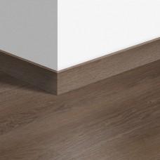 Виниловый плинтус Quick-Step стандартный Дуб плетеный коричневый (Braided oak brown) QSVSK40078 (PUGP40078 PUCL40078) 58 x 12 мм