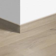 Виниловый плинтус Quick-Step стандартный Дуб хлопковый бежевый (Cotton oak beige) QSVSK40103 (PUGP40103 PUCL40103 AVMP40103) 58 x 12 мм