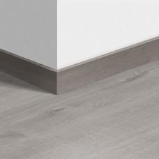 Виниловый плинтус Quick-Step стандартный Дуб хлопковый светло-серый (Cotton Oak Cold Grey) QSVSK40201 (PUGP40201 PUCL40201 AVMP40201 RPUCL40201) 58 x 12 мм