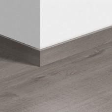 Виниловый плинтус Quick-Step стандартный Дуб хлопковый темно-серый (Cotton Oak Cozy Grey) QSVSK40202 (PUGP40202 PUCL40202 AVMP40202 RPUCL40202) 58 x 12 мм